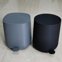 All plastic 5L round and square garbage cans